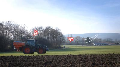 Photo showing data going into a KUHN AXIS fertiliser spreader